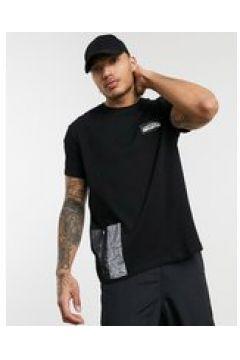 Bershka - T-shirt con tasca riflettente nera-Nero(124794312)