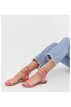 Miss Selfridge - Flache Sandalen mit Knöchelverzierung in Rosa - Rosa(95025941)